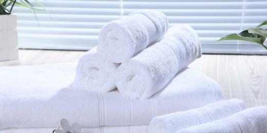 """艾笑""""揭秘""""辨别酒店毛巾质量的方法"""
